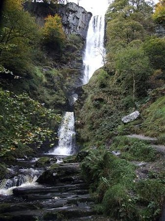 Llanfyllin, UK: Pistyll Rhaeadr waterfall