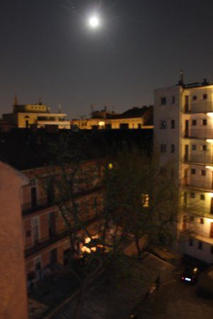 City Inn: There was a full moon on this warm quiet almost tropical evening. Very relaxing.