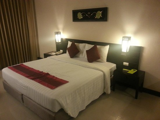 Mercure Phuket Deevana: spacious room