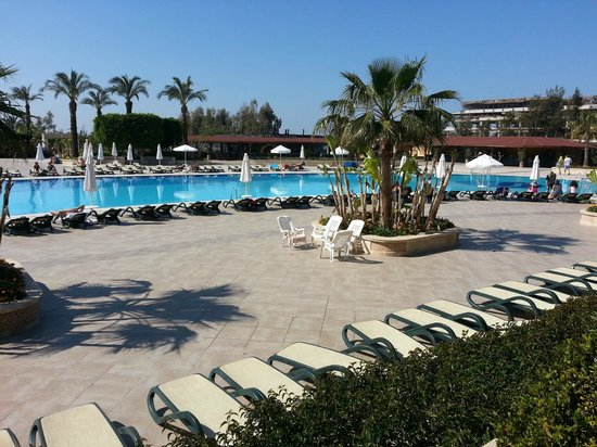 Piscine picture of crystal hotel paraiso verde belek for Piscine 07500