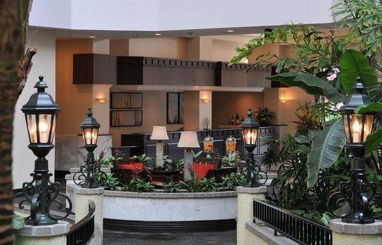 Embassy Suites Hotel Pleasant Hill-Walnut Creek: Front Desk and Reception