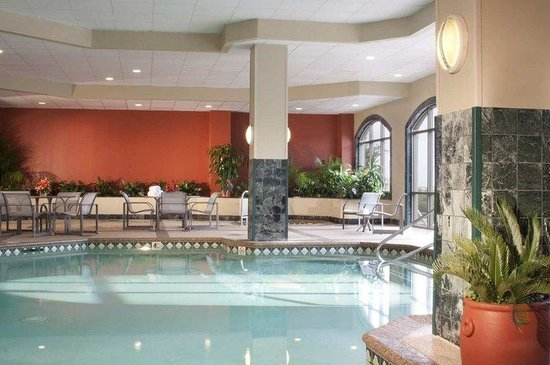 Embassy Suites Hotel Syracuse: Indoor Pool and Whirlpool