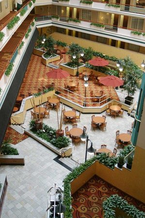 Embassy Suites Austin - Downtown/Town Lake Austin Texas: Whole Atrium