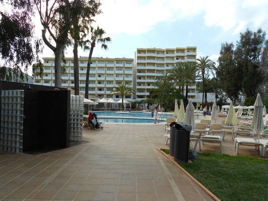 Iberostar Ciudad Blanca: View from the beach side