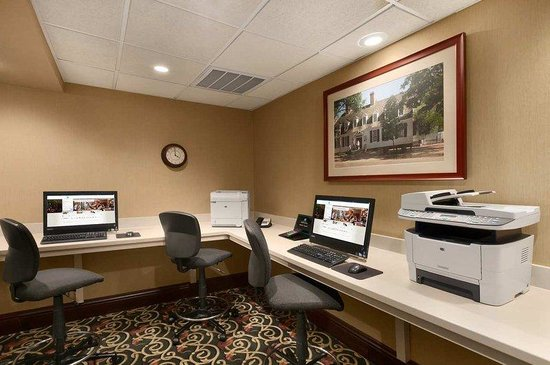 Embassy Suites Williamsburg: Business Center