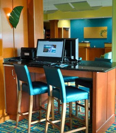 Fairfield Inn &amp; Suites Virginia Beach Oceanfront: Business Center