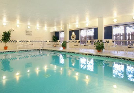Fairfield Inn Albany SUNY: Indoor Pool