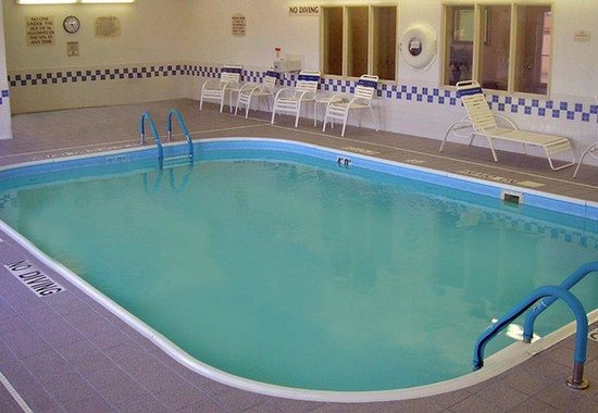 Fairfield Inn Chicago Gurnee : Indoor Pool