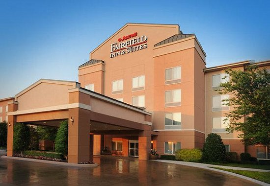 Fairfield Inn &amp; Suites Austin Northwest/Arboretum: Exterior
