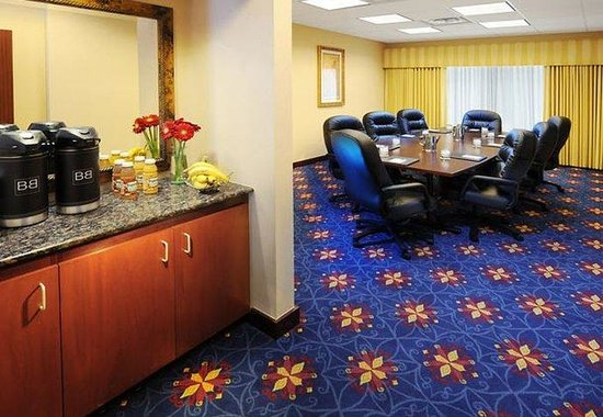Fairfield Inn &amp; Suites Austin Northwest/Arboretum: Boardroom