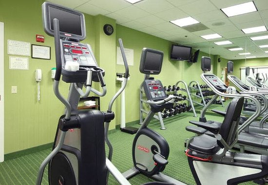 Avenel, NJ: Fitness Center