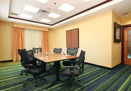 Avenel, NJ: Meeting Room