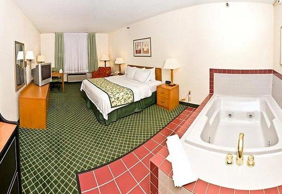 Fairfield Inn Ottumwa: King Spa Guest Room