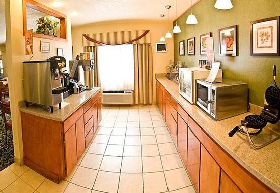 Fairfield Inn Ottumwa: Breakfast Area