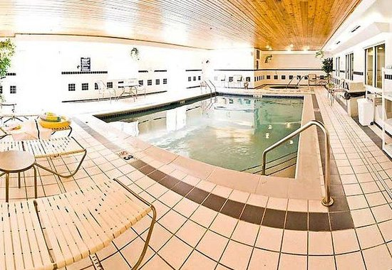 Fairfield Inn Ottumwa: Indoor Pool &amp; Whirlpool