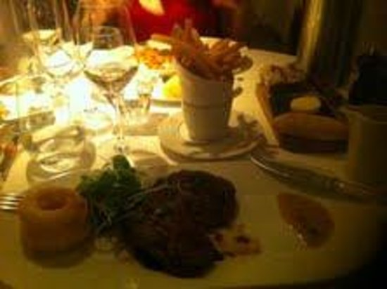 The Merrion Hotel: Steak dinner in The Cellar restaurant
