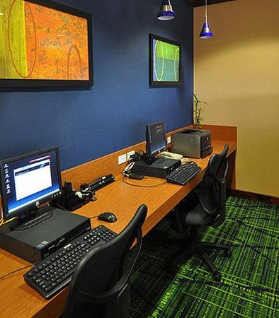Fairfield Inn Denver Aurora: Business Center