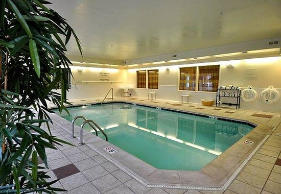 Fairfield Inn Denver Aurora: Indoor Pool