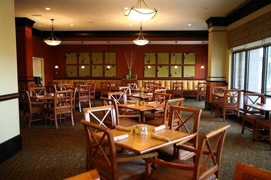 Hilton Garden Inn Terre Haute: Restaurant Seating Area