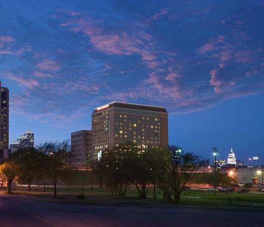 Hilton Garden Inn Austin Downtown/Convention Center: Welcome to the Hilton Garden Inn Austin Downtown