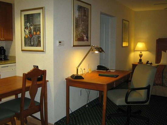Homewood Suites by Hilton Corpus Christi: Our Queen Studio