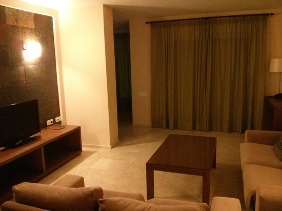 El Plantio Golf Resort: Living area of 3 bedroom apartment