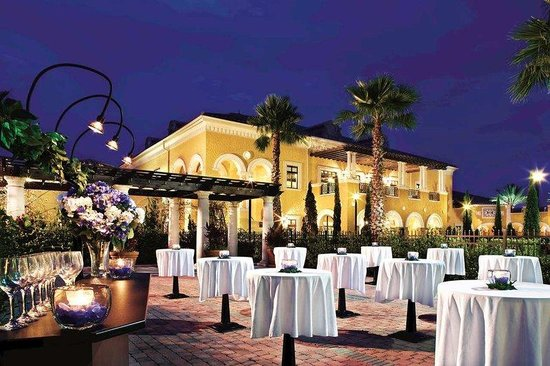 Hilton Grand Vacations Suites on International Drive: Outdoor Meeting Space