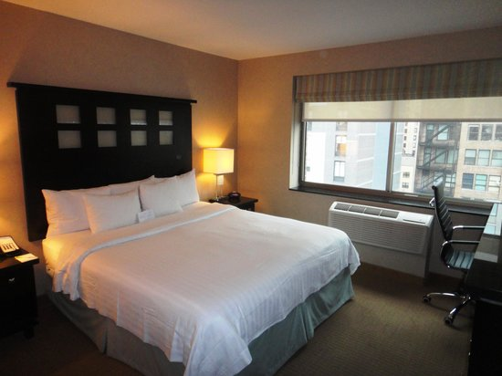 Fairfield Inn & Suites New York Manhattan/Chelsea: Room, 11th floor