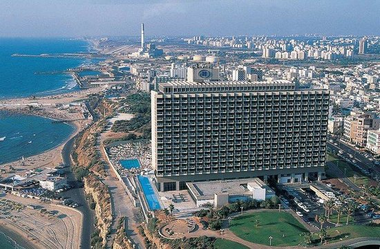 Hilton Tel Aviv: Hotel Exterior
