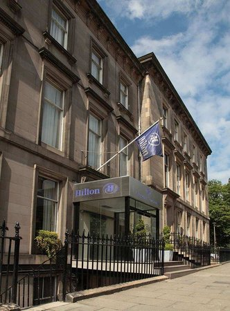 Hilton Edinburgh Grosvenor: Exterior