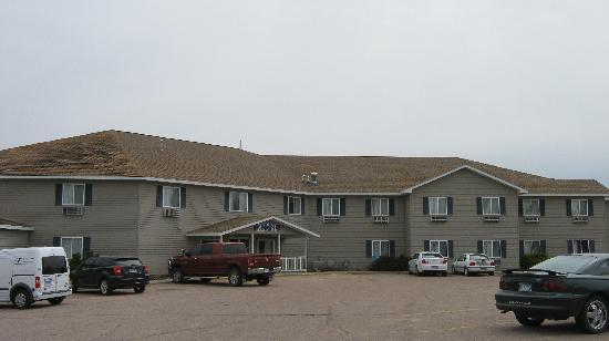 Lakewood Inn & Suites