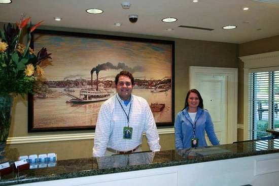 Hampton Inn Vicksburg: Front Desk