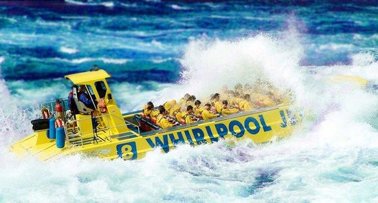 Hampton Inn Niagara Falls: Whirlpool Jet Boats