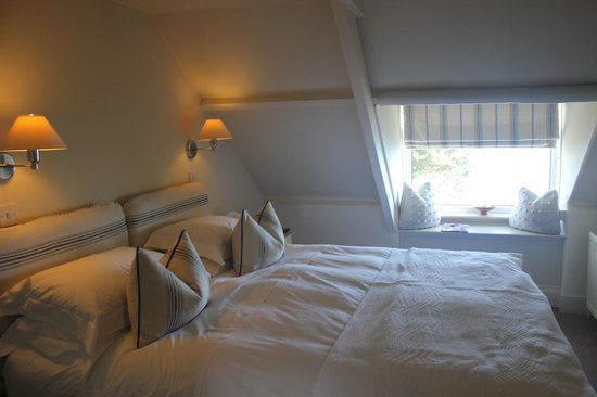 Driftwood Hotel: Wonderful views to sea and the most comfy bed!!