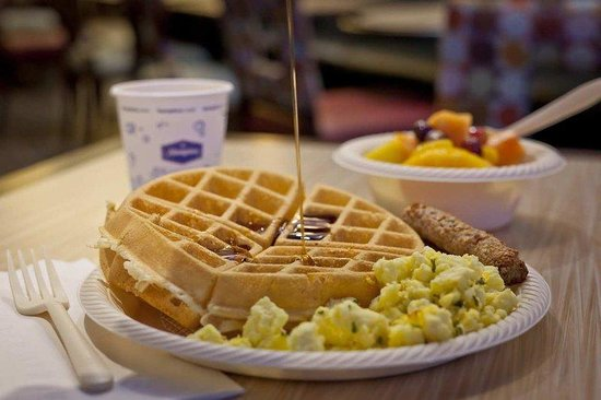 Hampton Inn & Suites Buffalo Downtown: Breakfast Plate