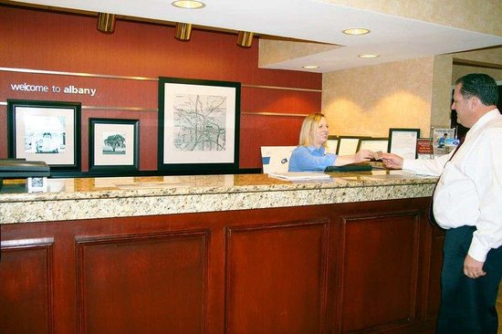 Hampton Inn Albany (at Albany Mall): Hotel/Lobby Reception