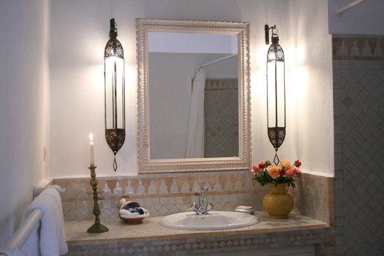 salle de bain chambre photo de villa maroc essaouira tripadvisor. Black Bedroom Furniture Sets. Home Design Ideas