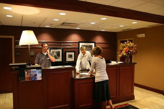 Hampton Inn &amp; Suites Grove City: Lobby Reception