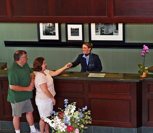 Hampton Inn Littleton: Front Desk