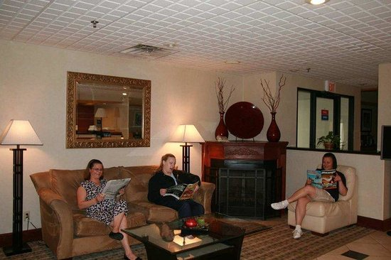 Austinburg, OH: Lobby Area
