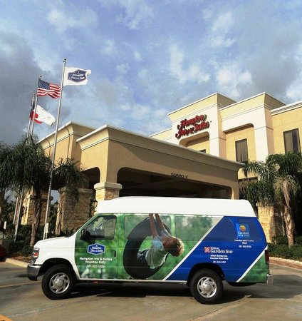 Hampton Inn & Suites Houston-Katy: Shuttle Van