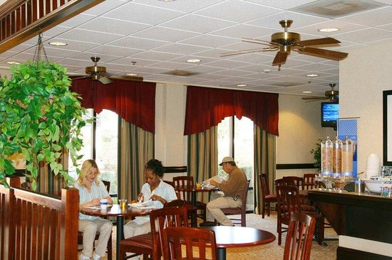 Thomasville, GA: Breakfast Dining Area