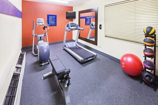 Hampton Inn Jonesboro: Fitness Center