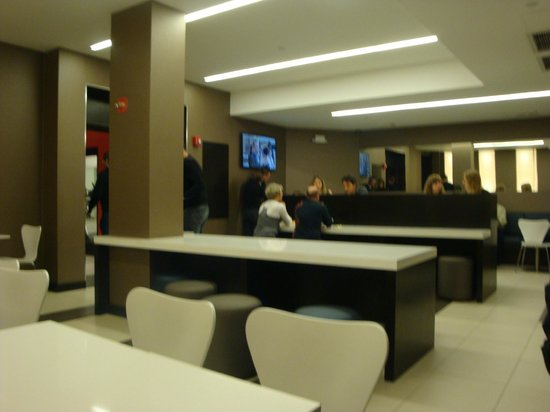 Broadway at Times Square Hotel: dining area