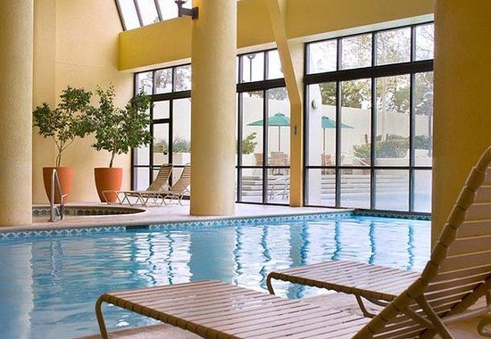 Albuquerque Marriott: Indoor Pool
