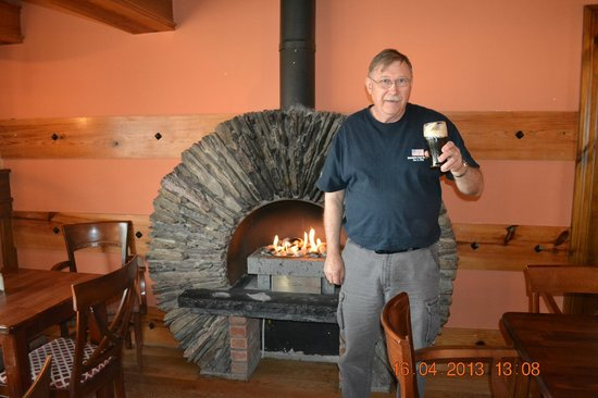 Inch, Irland: A Cold Guinness and A Warm Fire