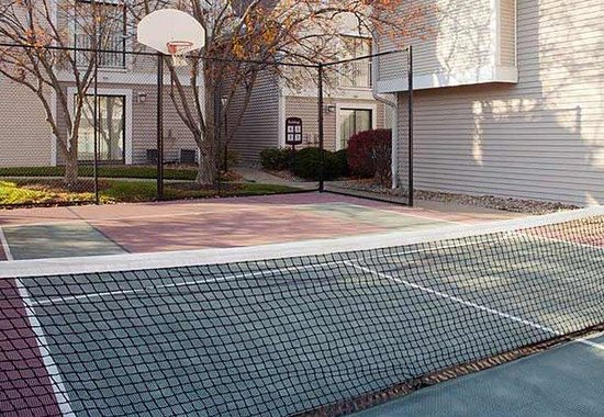 Residence Inn Cincinnati North / Sharonville: Sport Court