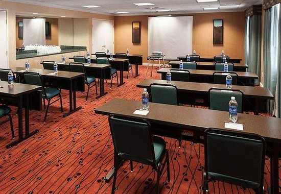 Residence Inn San Diego Downtown: Meeting Room- Classroom Setup