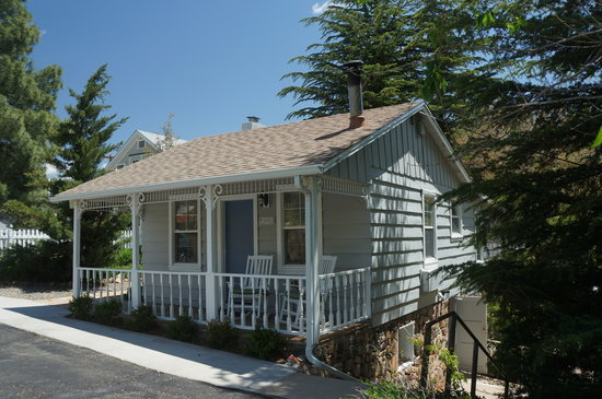 Prescott Pines Inn Bed and Breakfast: Cedar Guest House