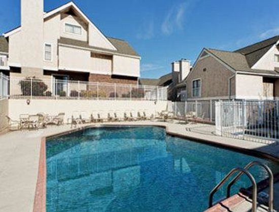 Hawthorn Suites By Wyndham Dayton Mall South Miamisburg: Pool